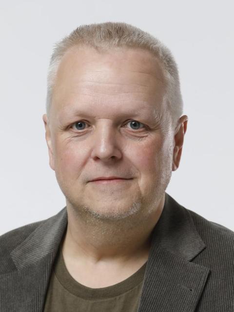 #26221 Henrik